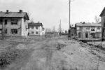 Фото 12. Жилые бараки и дровяные сараи Центрального посёлка. Фото 1960-х годов.