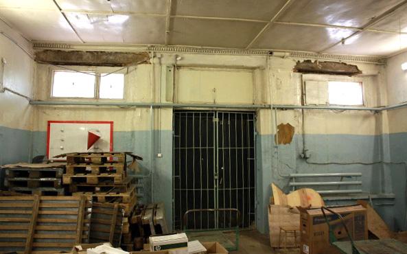 Фото 3. Интерьер старого продовольственного склада на улице Гоголя, 2015 г. Фото Алексея Грачёва.