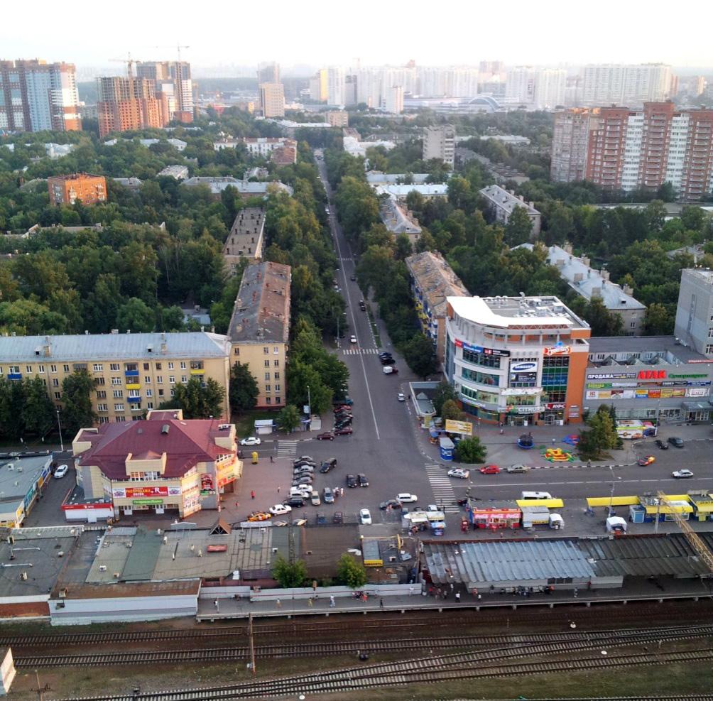 Рис. 8 Улица Московская с высоты птичьего полёта. Начало 2000-х годов. Фото Алексея Грачёва.