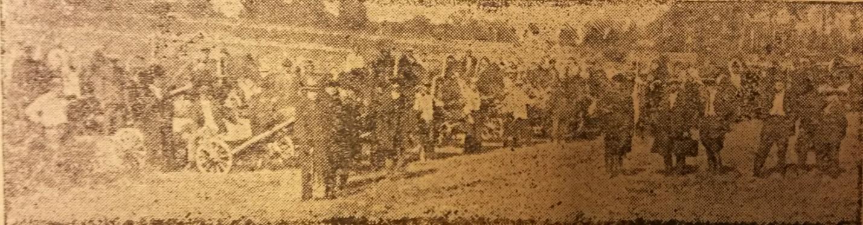 Рис. 2 По краю выемки выстроился ряд первой колонны грабарей. Начало работ на участке №10 канала «Волга - Москва», 3 сентября 1932 год. 1932 №74 от 11 сентября.