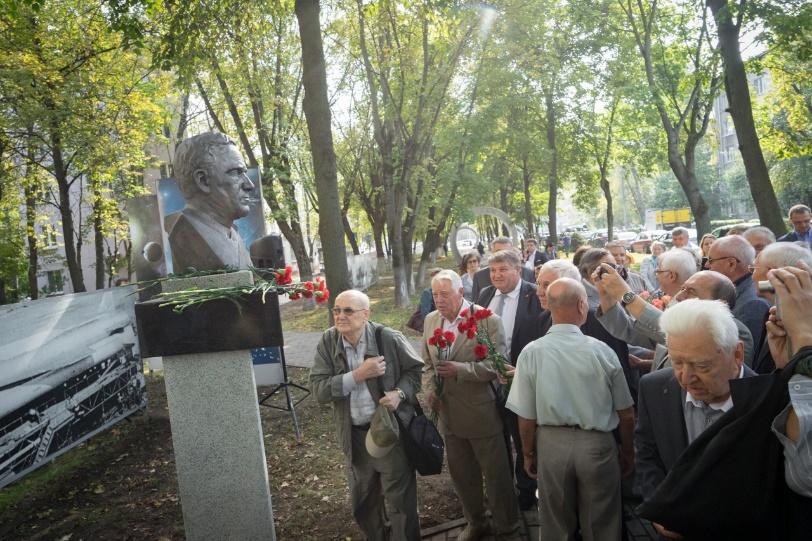 Открытие памятного бюста выдающемуся конструктору космической техники Г.Н. Бабакину