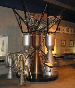 Рис. 2 Ракетный двигатель РД-107. Музей НПО Энергомаш.