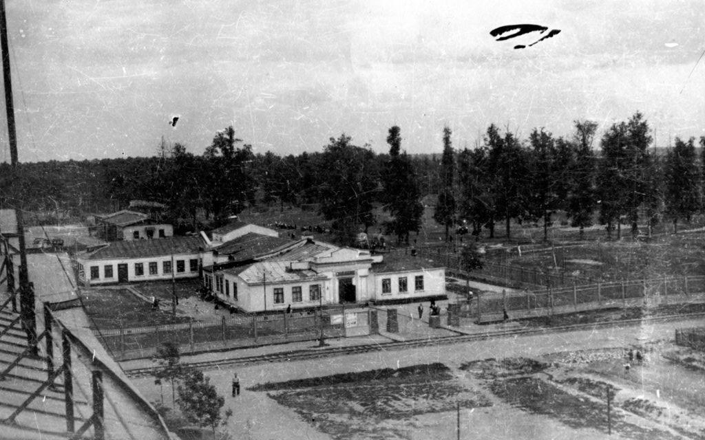 Рис.1 Клуб им. Чкалова, конец 1930-х годов. Фото из архива И.Н. Шумилкиной.