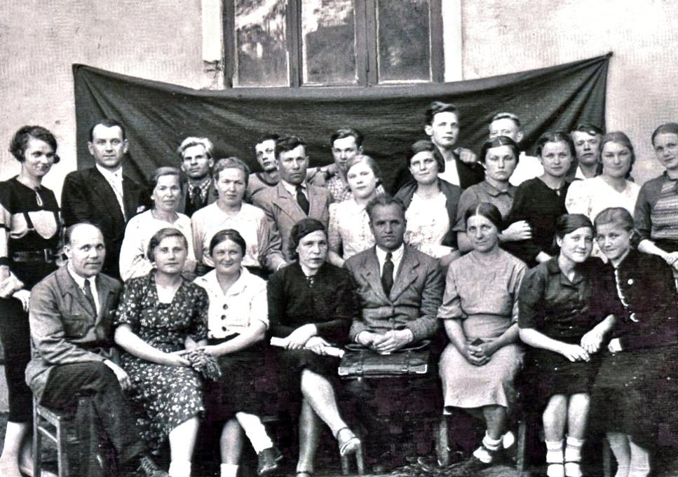 Рис. 2 Хор клуба им. Чкалова, 1939 год. Фото из архива семьи Нечаевых.