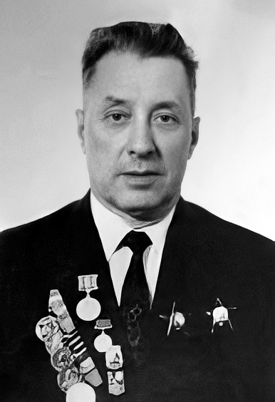 Виктор Дмитриевич Пряхин, послевоенное фото (www.pobeda1945.su)