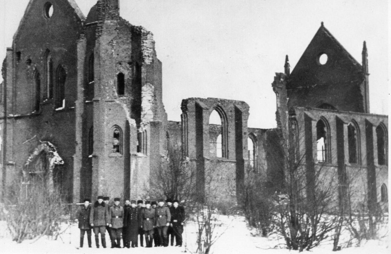 Руины приграничного немецкого города Ширвиндт