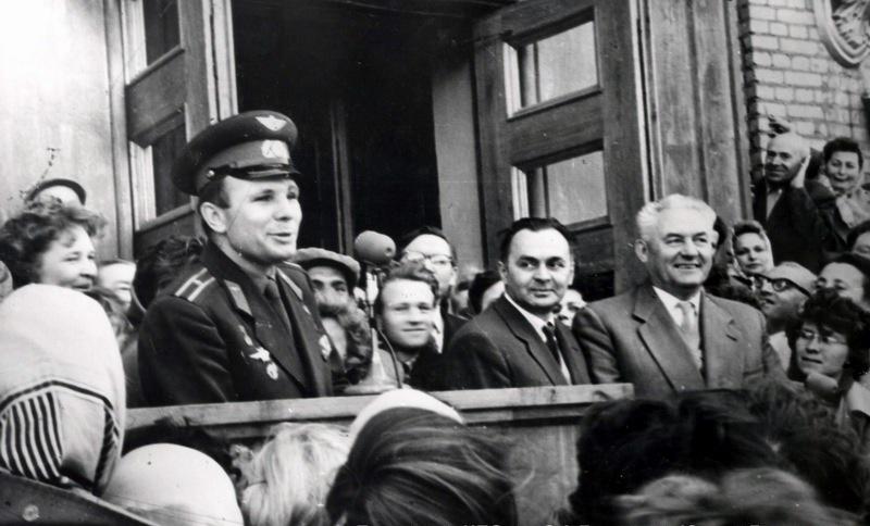 Гагарин в НПО им. Лавочкина 60-е годы. Источник - http://www.sammler.ru/index.php?showtopic=140676&setlanguage=1&cal_id=&langid=2