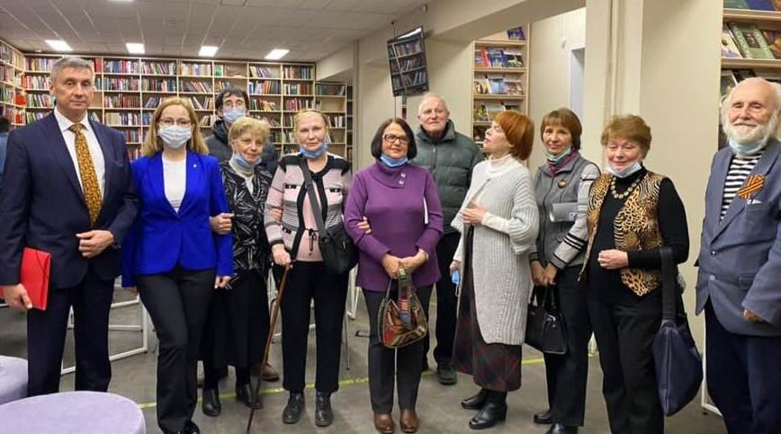 С.С. Ипполитов,Т.С. Панина с группой химкинских краеведов.