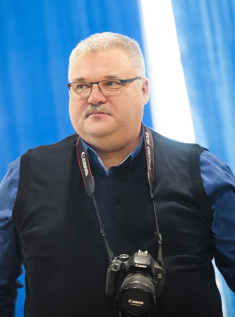 Один из авторов экспозиции и экскурсовод С.Гаев